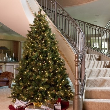 Carolina Pine Full Pre-lit Christmas Tree 6.5 Ft - Best Fake Christmas Trees