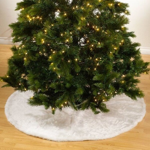 Top 10 Festive Christmas Tree Skirts • Absolute Christmas