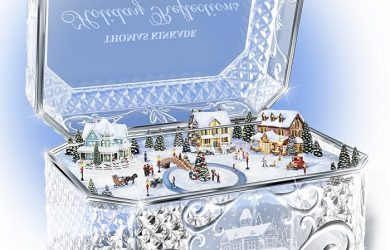 Thomas Kinkade Crystal Music Box