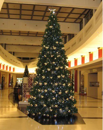 20' Green Fir Christmas Tree with 4992 Clear Lights