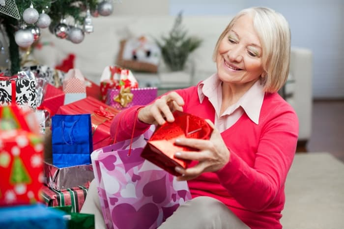 Christmas Gifts For A 70 Year Old Woman Absolute Christmas