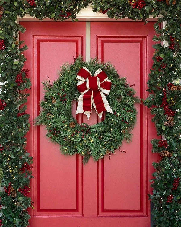 Balsam Hill 30 inch Beacon Hill Cypress Pre-lit Artificial Outdoor Wreath