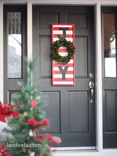 JOY DIY Christmas Sign - DIY Outdoor Christmas Decorations