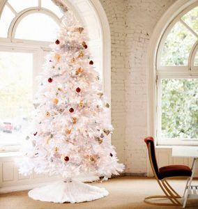 White Christmas Tree with Red and Gold Ornaments | White Christmas Tree Ideas