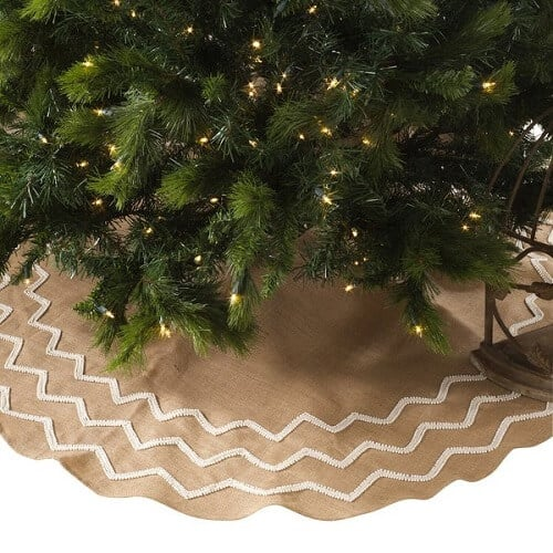 Beaded Burlap Christmas Tree Skirt | The perfect Christmas tree skirt for farmhouse or coastal Christmas decor!