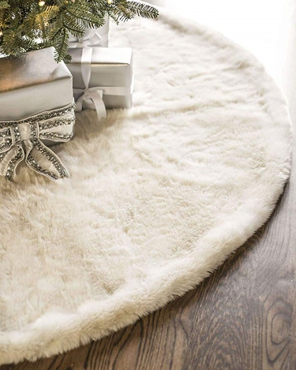 Ivory White Faux Fur Tree Skirt