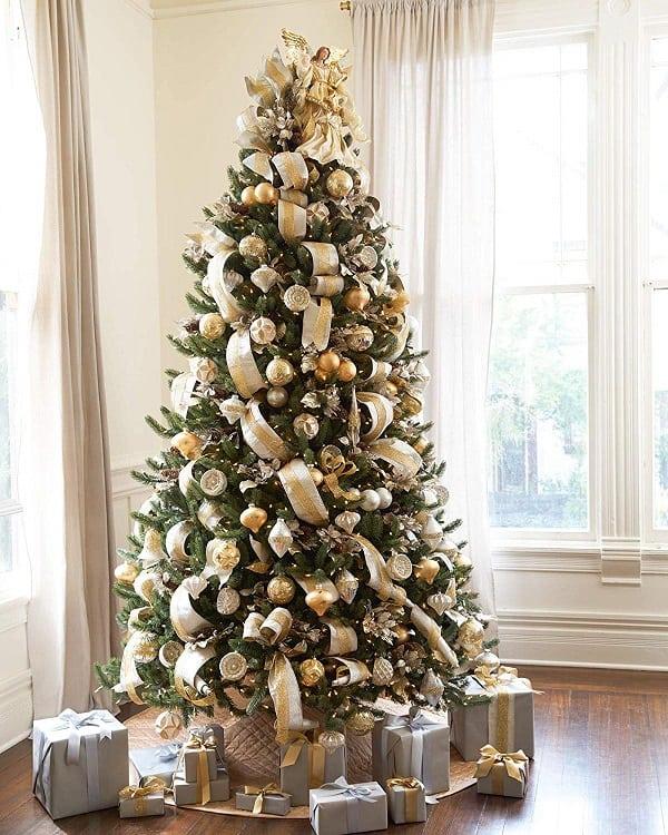Vermont White Spruce Premium Artificial Christmas Tree   High Quality Artificial Christmas Trees