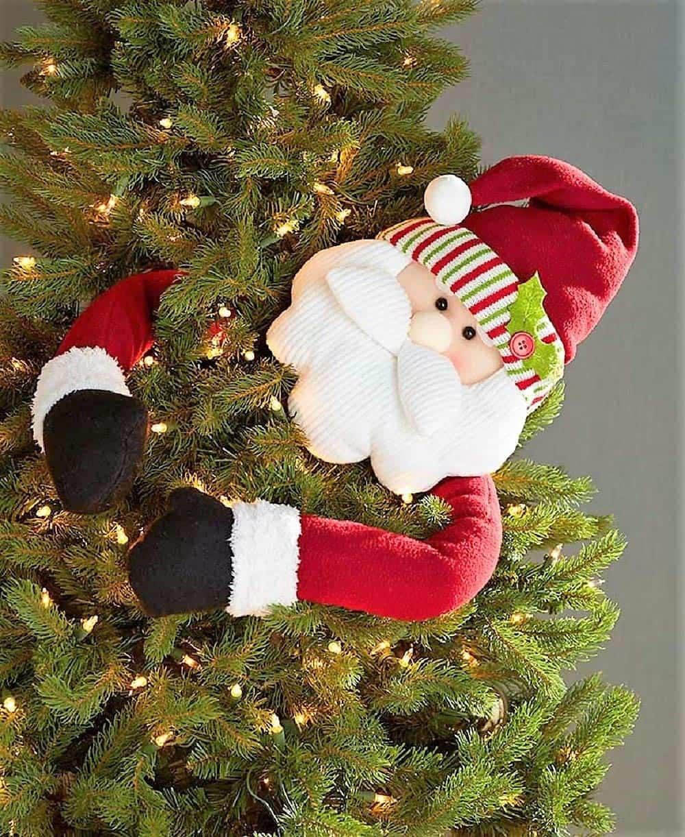 5 Best Christmas Tree Huggers