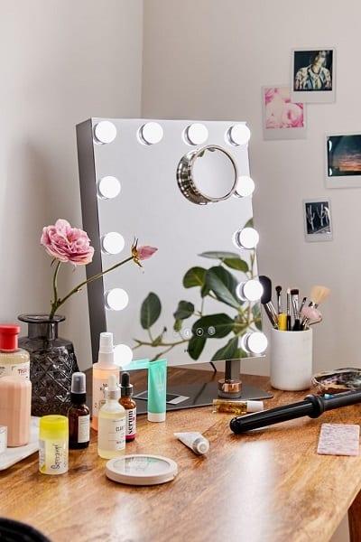 iHome Hollywood Vanity Mirror Bluetooth Speaker