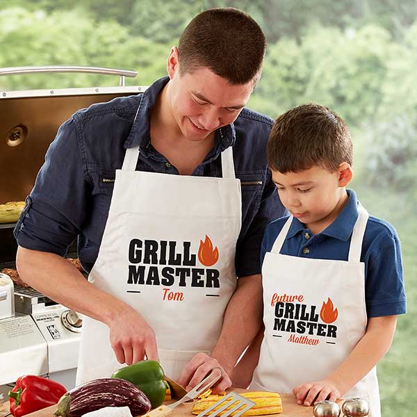 Daddy and Me Matching Grill Aprons and Potholders
