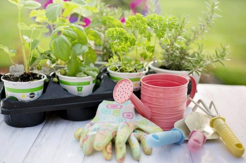 Gardening Gifts for Mom - Gift Ideas for the Mom Who Loves To Garden