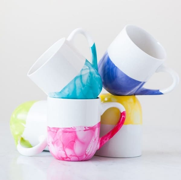 DIY Marble Dipped Mugs - DIY Gifts for Mom