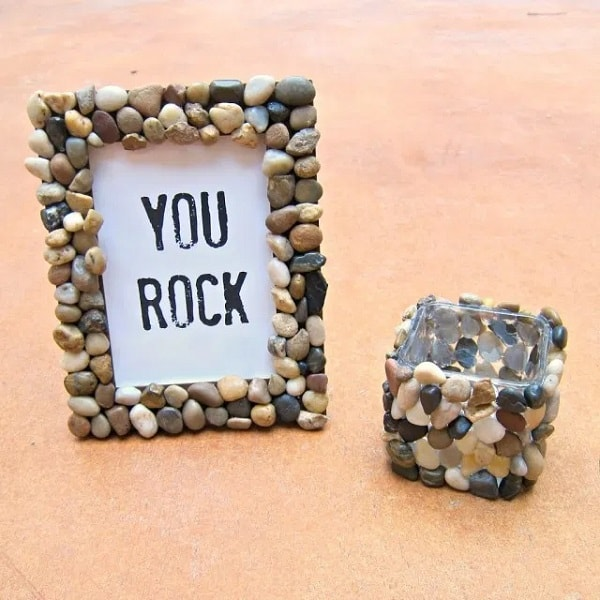 DIY Rocky Picture Frame