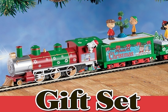 PEANUTS Illuminated Electric Christmas Train Set