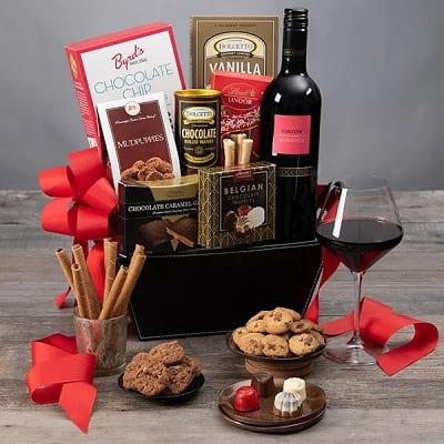 Red Wine & Dark Chocolate Gift Basket - Il Roccolo